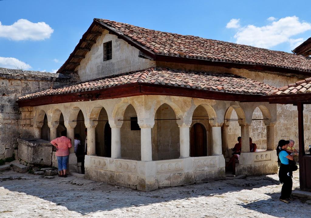 Молельный дом в пещерном городе