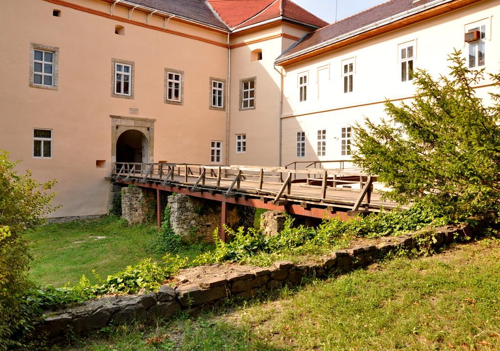 Двор замка Ужгорода