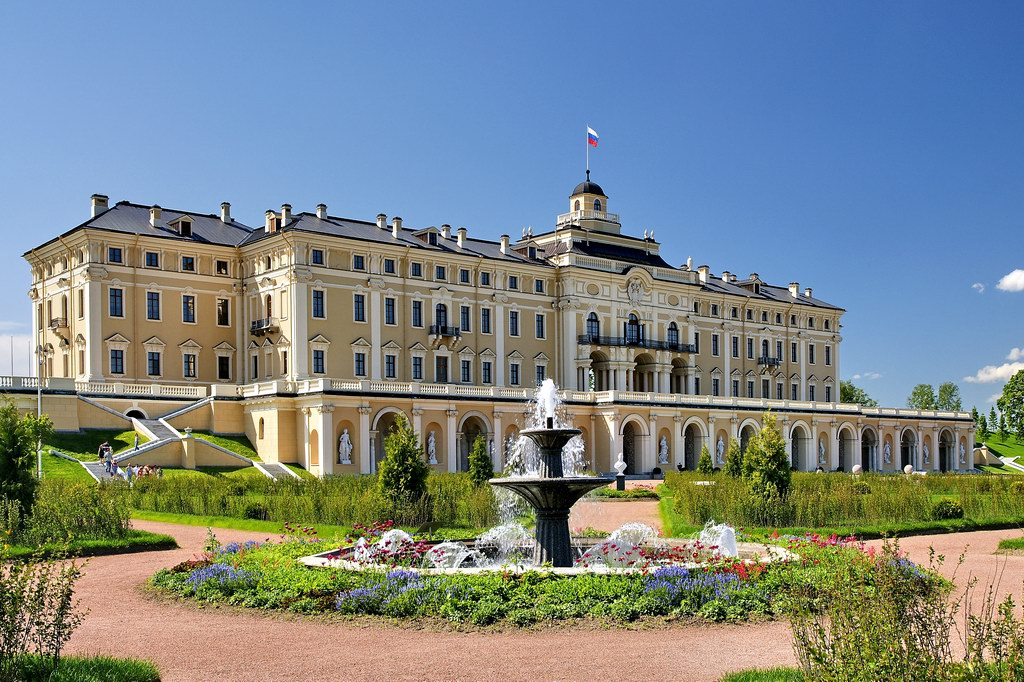 фасад Константиновского дворца
