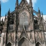 Западный вход собора