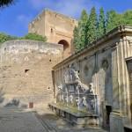 Древние стены Альгамбры