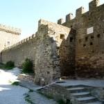 В стенах старой крепости