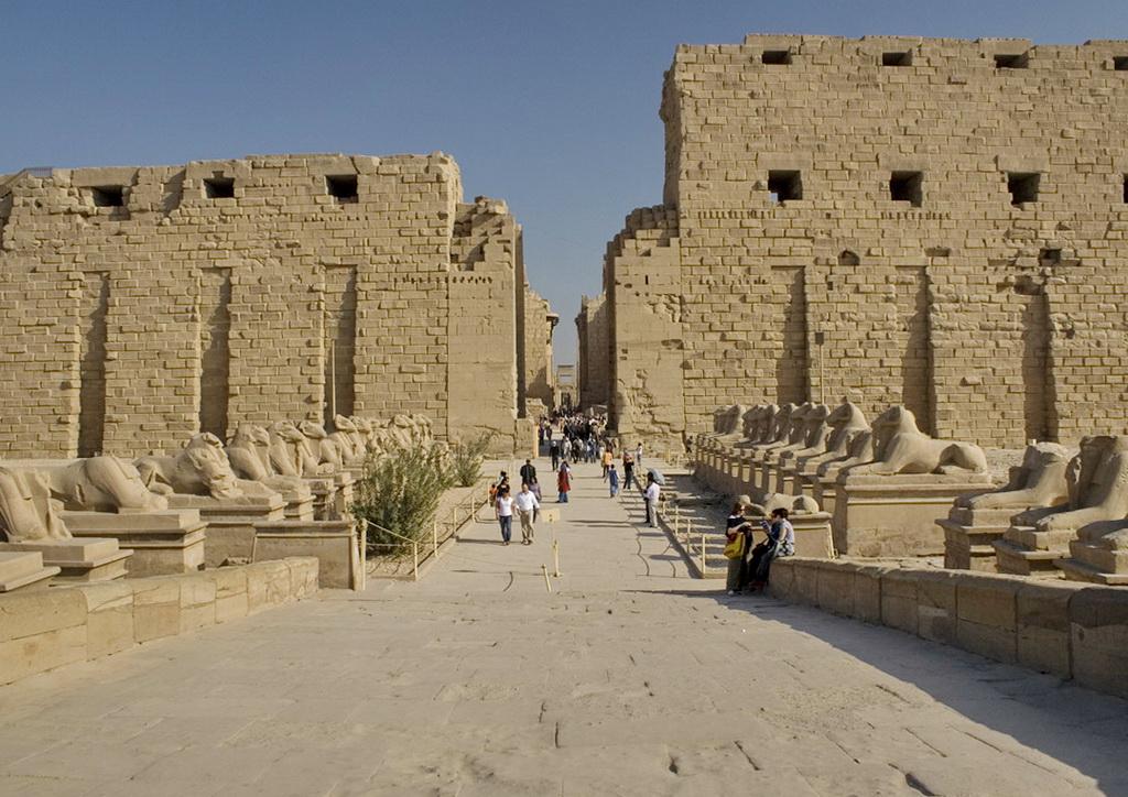 Древний город Фивы в Египте