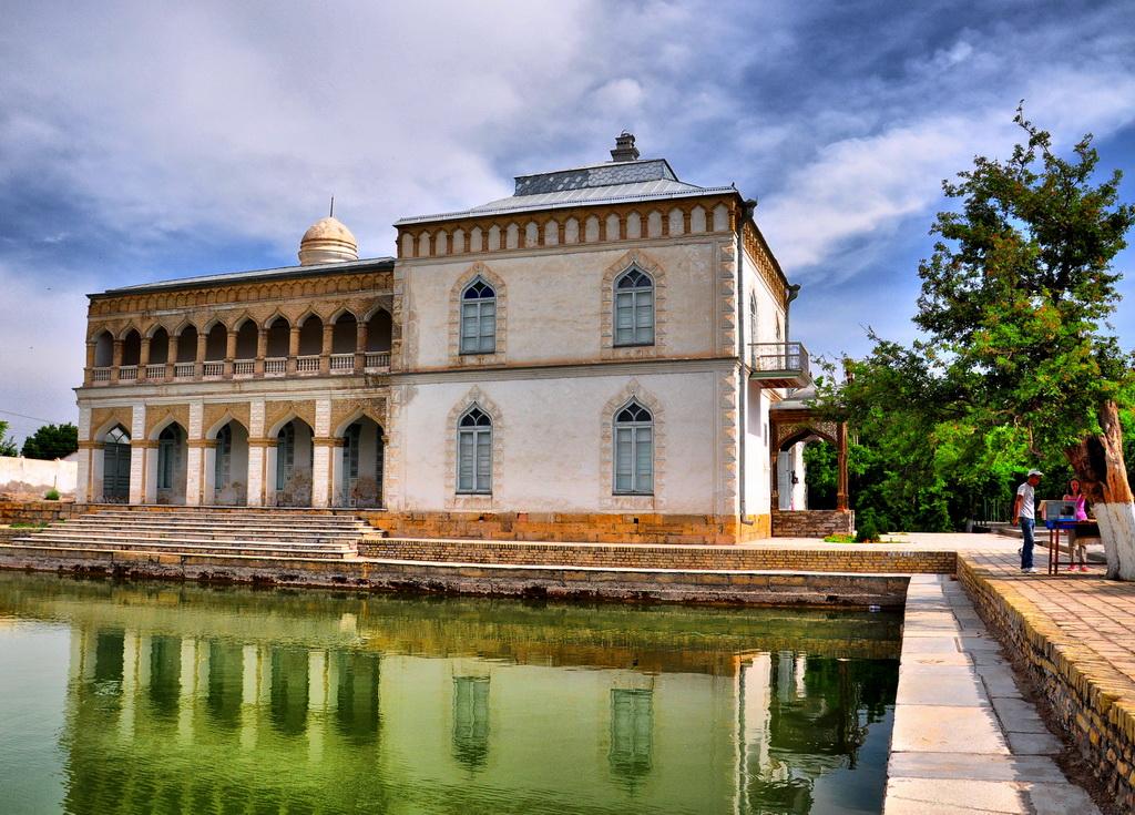 Загородный дворец Ситораи Мохи Хоса