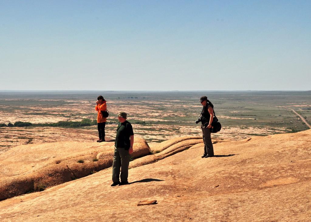 Обзорная площадка на вершине Бектау-ата