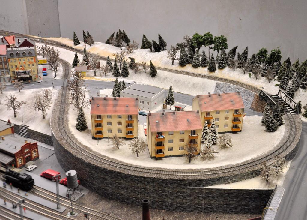 Зима в городке Королевства железных дорог