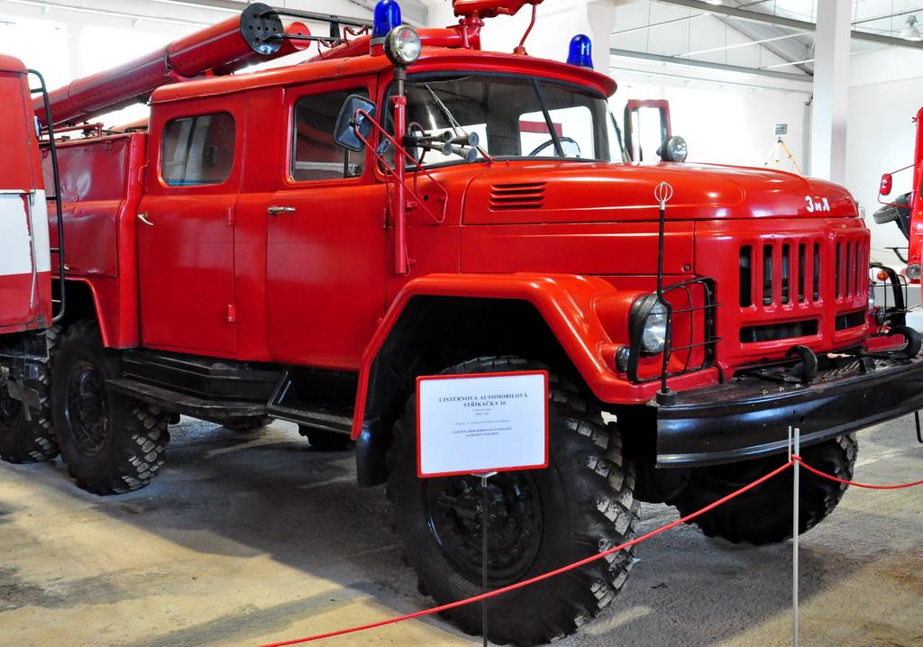 Советская пожарная машина