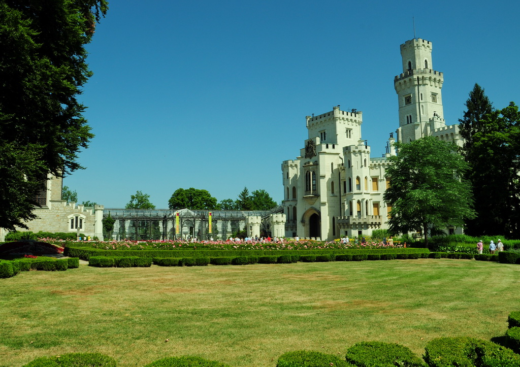 Вид на замок Глубока и галерею